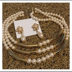 Jewelry - Pearl Gold Bar Necklace & Earring Set